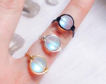 A Drop of Moonlight Ring - Glass Light Up Ring - Imitation Moonstone Labradorite