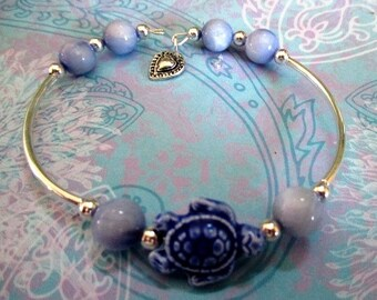 Blue Turtle Beaded Bracelet