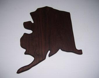 Alaska cutting board - made of walnut