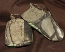 Realtree baby shoes camo baby shoes Booties camouflage baby Camo shoes slippers realtree clothes newborn camo