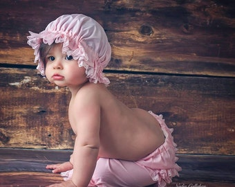 Ruffle Hat and Bloomer Set in Pink