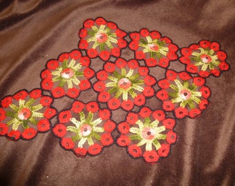 Doily Vintage Red and Green Home Decor