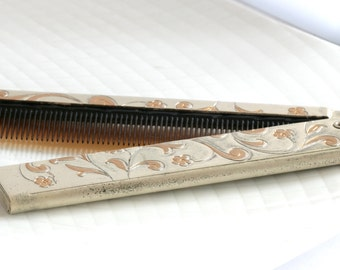Elegant Folding Comb with Floral Pattern // Vintage Estate Jewelry Accessory
