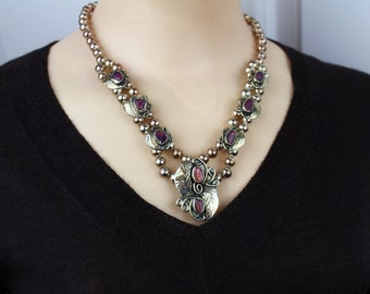 Vintage Unsigned Amethyst / silvertone Floral design   necklace/ wedding jewelry/ Choker
