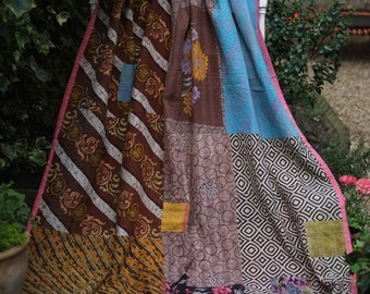SALE Patchwork Kantha,Sari Throw,Sari Blanket,Sari Quilt,Vintage quilt,Patchwork coverlet,Kantha Blanket,Indian coverlet,Vintage Kantha,
