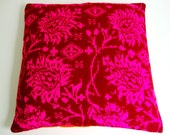 pillow cover knitted jaquard floral pattern pink bordeaux