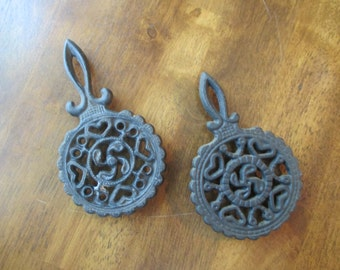 Small Cast Iron Kitchen Trivet's - Tulip's (Set Of Two)