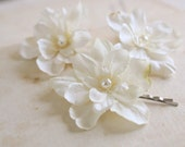 Bridal Ivory Flower Hair Pins (set of 3), Rustic Wedding Hairpiece, Wedding Flower Hair Accessories, Bridal Hair Clips, Bridesmaids, Pearls