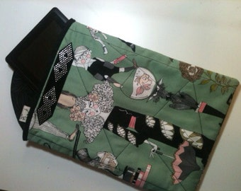 """Tablet Cover Shabby Chic """"Ghastlies"""" fabric"""