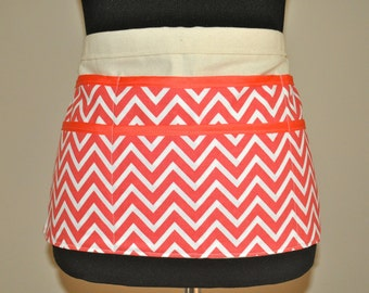 Chevron Utility Apron, Pink apron, Vendor Apron,Chevron Apron, pink chevron apron, Women's Vendor Apron, teacher apron, craft fair apron