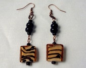 10 Tiger Lampworked beads