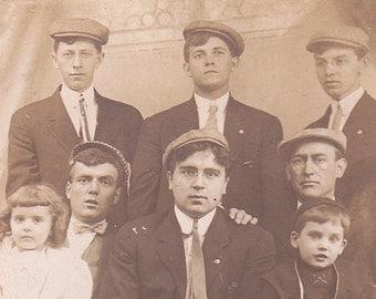 """Ca 1909 """"4 Generations"""" B & W Real Photo Postcard - 1323"""