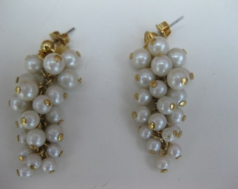 pearl grapes earrings