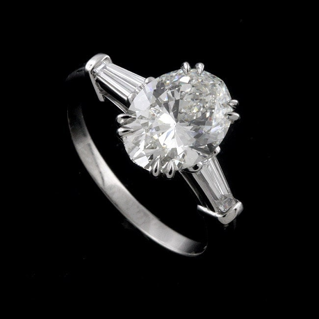 Oval Diamond Ring With Tapered Baguettes Oval Shape Diamond And Tapered