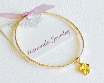 Plumeria bangle - Hawaiian flower bangle - gold filled bangle - plumeria bangle - hibiscus bracelet ( B150)
