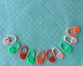 Plastic Stitch Markers (10)