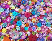 "100 Assorted Rainbow Colored Flower Sewing Buttons - grab bag, bulk flower buttons, multi sizes 1/8"" up to 1-1/2"", lots of variety and color"