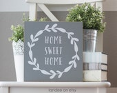 Simple Wreath Welcome 10x10 Sign