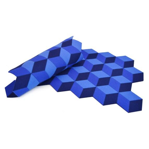 Felt table runner, wool felt runner, blue, blue runner, geometric runner, home decor, wool felt, gift idea, handmade, made in Italy