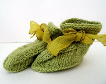 Baby shoes, booties, booties, baby, loop, silk, green