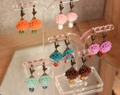TUTTI FRUTTI earrings • colorful earrings with a resin flower & a tiny glass drop