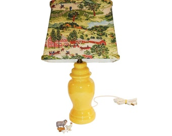 Rare Country Farmhouse Vintage 1940s Yellow Pottery Antique Lamp with Original Old Checkered House GRANDMA MOSES Barkcloth