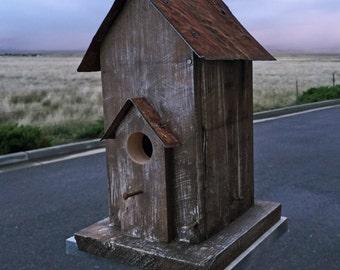 Primitive Bird house, Antique style bird house, Functional Bird House, Tin Roof ,Wooden Bird House, Bird house, Barn birdhouse