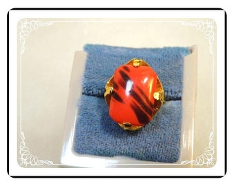 Red Abstract Ring - Vintage Art Glass  Ring - R2036a-122512000