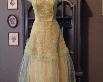 50s Strapless Chartreuse Tulle and Lace Prom dress