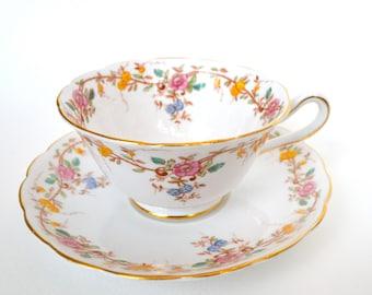 Grosvenor Fine Bone China Tea Cup and Saucer, Floral and Vine Motif, Gold Gilt, England