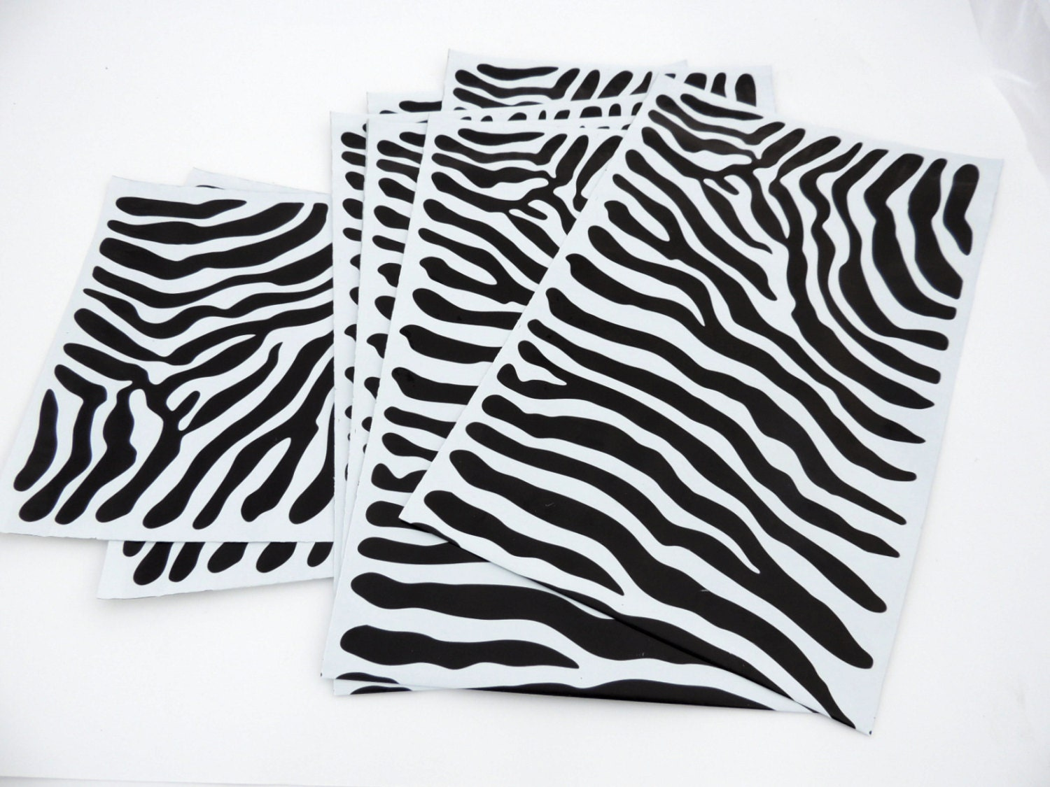 50 pack 12x15 and 9x12 zebra decorative poly mailers flat