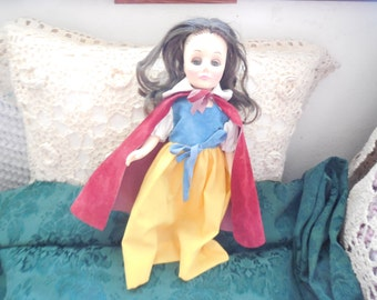 Vintage Effanbee 1976 Snow White Storybook 11 In  Doll  : ) S