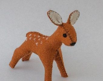 Deer Pattern Forest Animal - PDF Pattern to make a Waldorf inspired beautiful Baby Deer