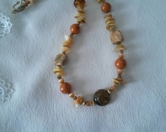 Vintage Beaded faux shell necklace, beach jewelry