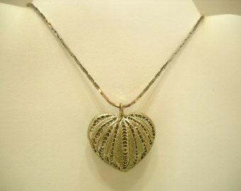 Vintage Heart Pendant Necklace (9398)