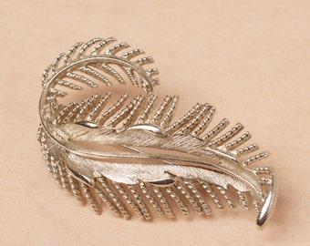 Vintage Lisner Silver Tone Leaf Brooch