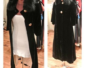 1940s Black Velvet Cape Coat Vintage Fur Collar Maxi Swing Coat Velvet Satin and Fur Dress Coat Empire Waist Jacket