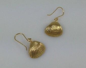 Sea Earrings,Seashell earring, Beach earrings,  Seashell Jewelry, Nautical Earrings, Gold Shell, gold seashell