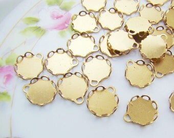 8mm Round Raw Brass Lace Scalloped Edge Settings 1 Ring Drop Connectors (12)