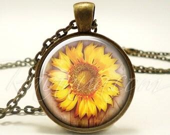 Bohemian Sunflower Necklace, Gypsy Flower Jewelry, Hippy Pendant (1883B1IN)