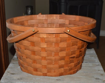 Market  basket large oval Cherry wood with handles