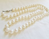 Vintage Genuine Pearl Necklace - 1960s Strand Ivory Medium Fish Hook Clasp