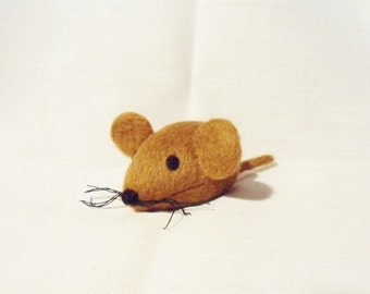 Needle Felted Mouse -  miniature brown mouse figure - 100% merino wool - wool felt mouse - pocket mouse
