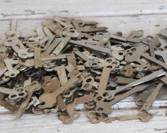 6 vintage flat blank uncut Yale Lock keys