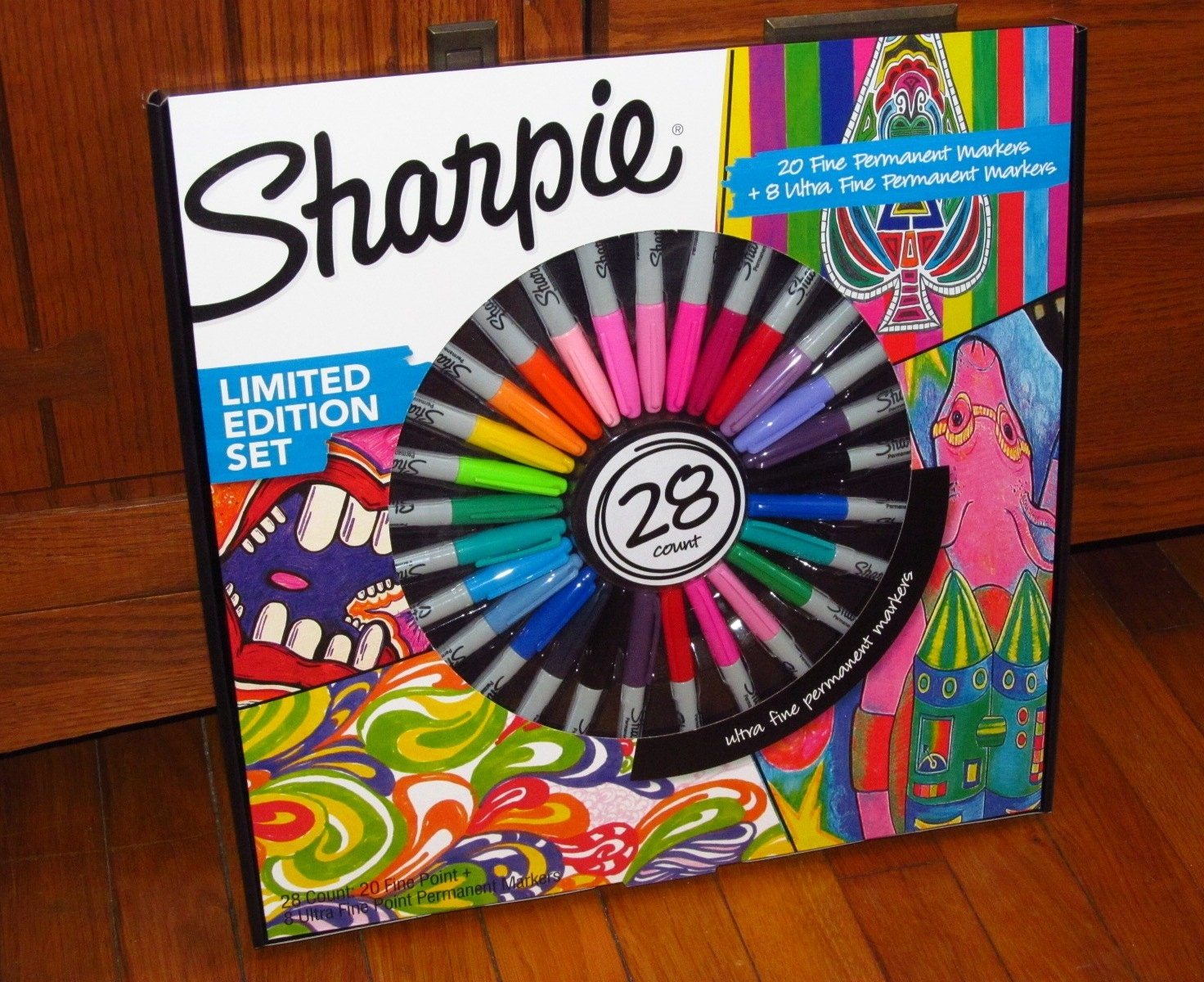 NEW 28 Count Sharpie Markers LIMITED EDITION Gift Box Set Fine