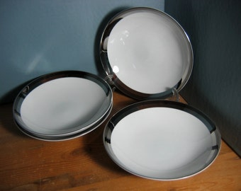 Wincraft Saturn Pattern #682 Japan Porcelain (8) Coupe Soup Bowls - White Porcelain with Platinum Trim