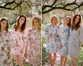 6 Custom lined bridesmaid robes or bridal party robes in cotton. Pastel floral robes, bridal kimonos and dressing gowns in delicate prints.