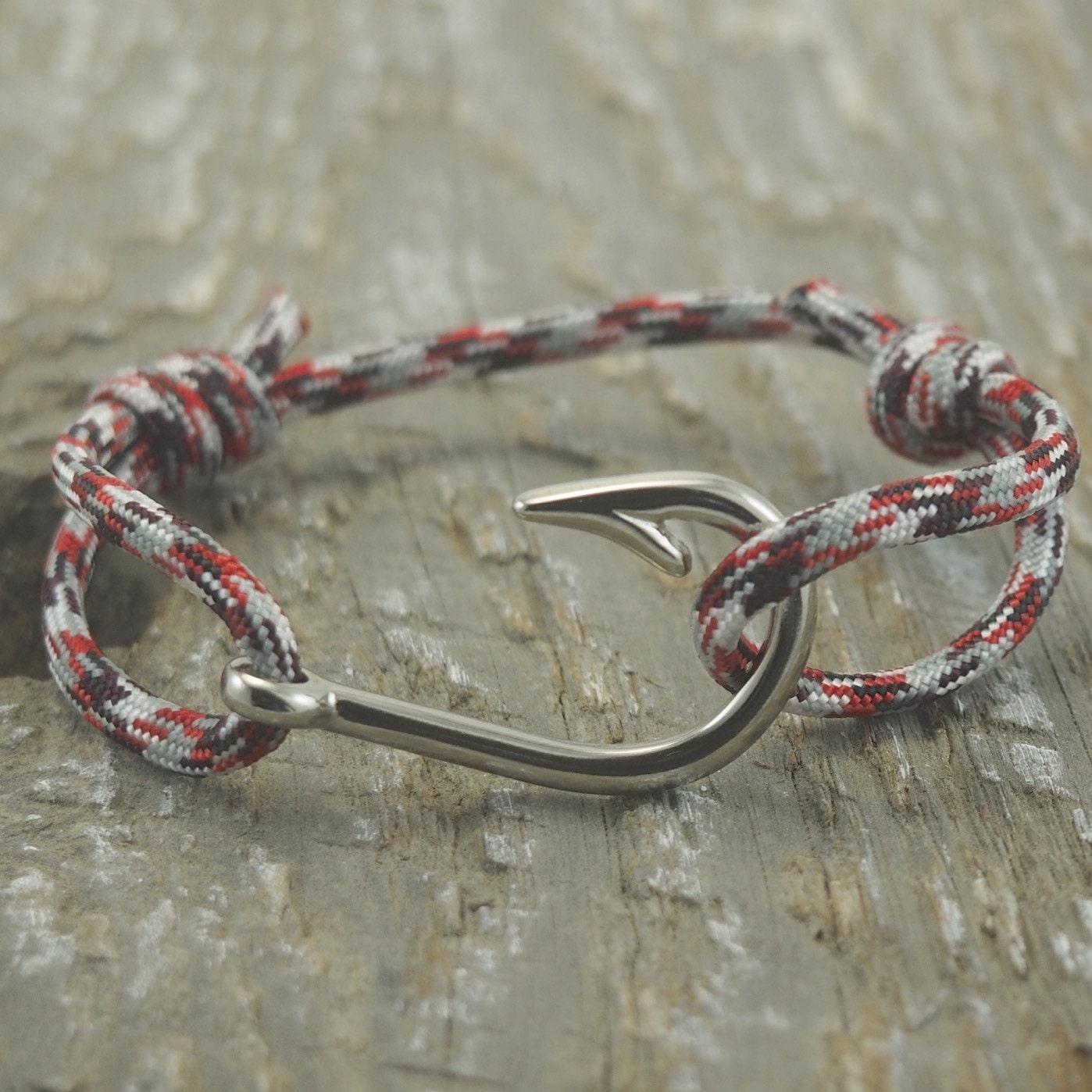 Mens fish hook bracelet paracord bracelet by designedturning for Mens fishing bracelet