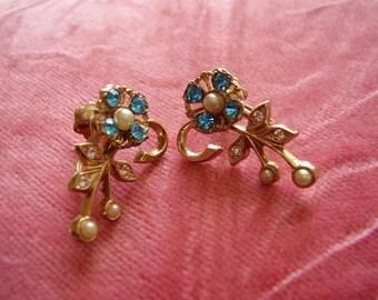 Vintage Pearl and Rhinestone Screwback Earrings