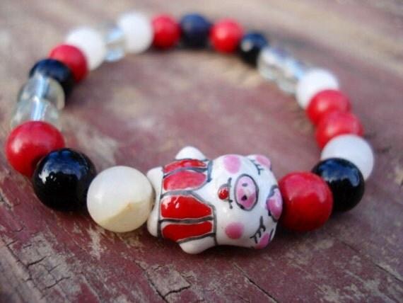 Pig Bracelet, White Black Red Bracelet, Lampwork Glass Bracelet, Pig Collectible Bracelet, Funny Jewelry, Girls Jewelry, Pig Jewelry